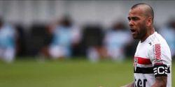 São Paulo rescinde contrato de Daniel Alves e parcela dívida em 5 anos